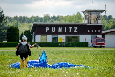 Skydiving in Punitz