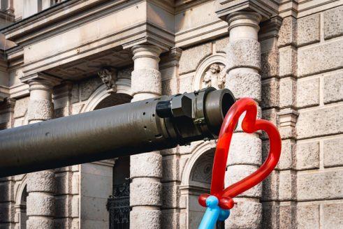 Children, Tanks, Balloons and Camera